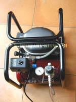 Compresseur avec réservoie et robinet manodétendeur